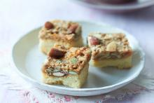 The Super Smart Almond Biscuit Bar